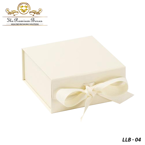 Creative-Luxury-Lingerie-Boxes