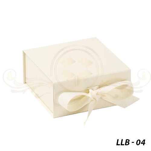 Luxury-Lingerie-Boxes-Wholesale